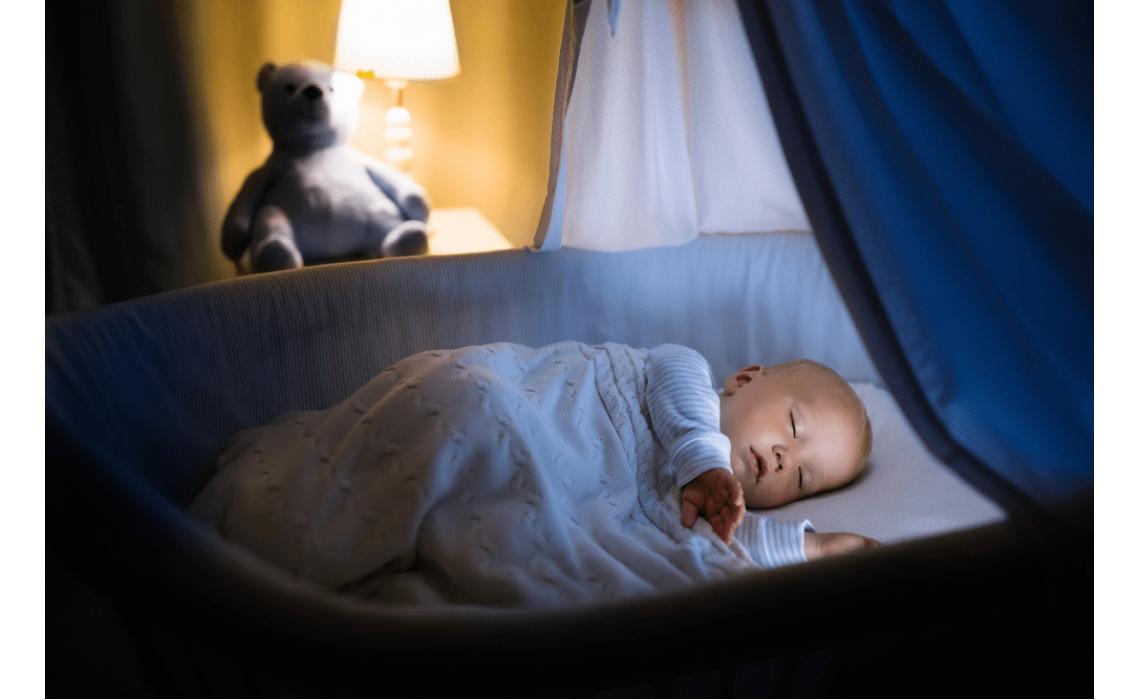 Bebeklerimizin Uyuyacağı Yatak Nasıl Olmalı ?